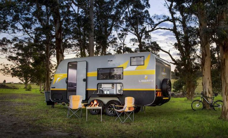 Camping with Cruiser Off Road Caravan