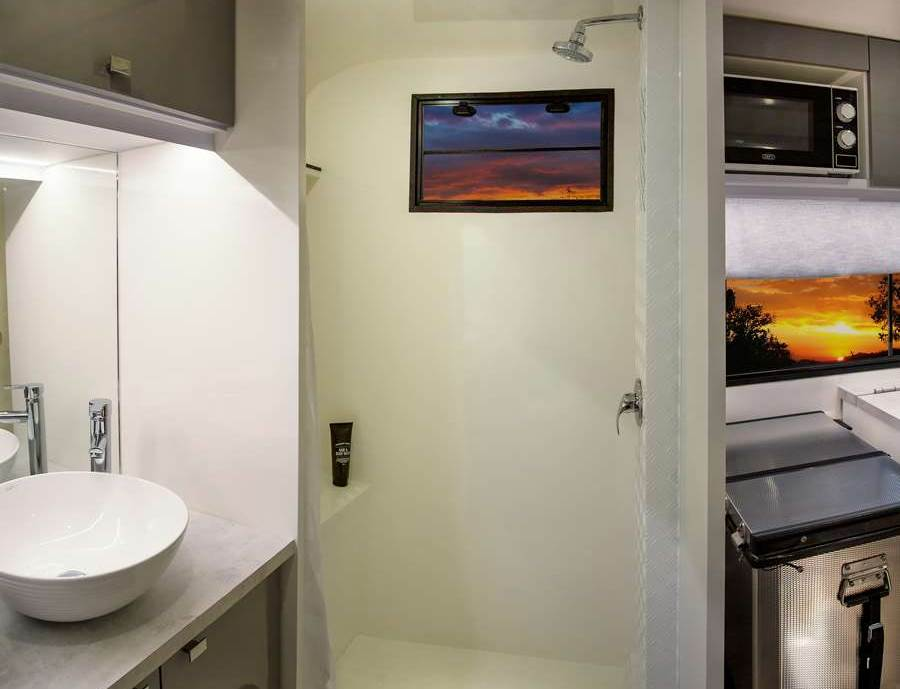 Shower in cruiser Caravan